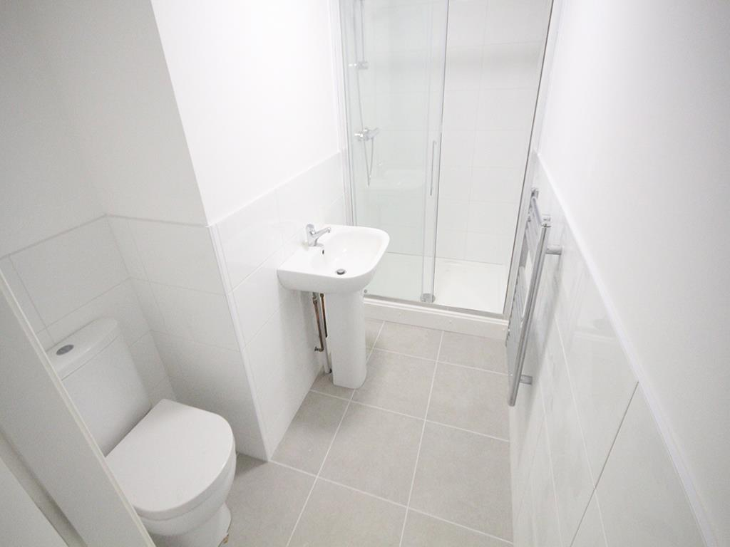 2 bedroom apartment To Let in Earby - IMG_5061.jpg